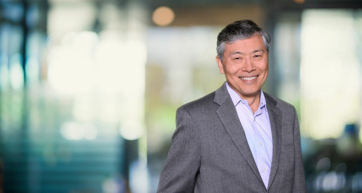 Dennis Ito, Holthouse Carlin & Van Trigt LLP Photo